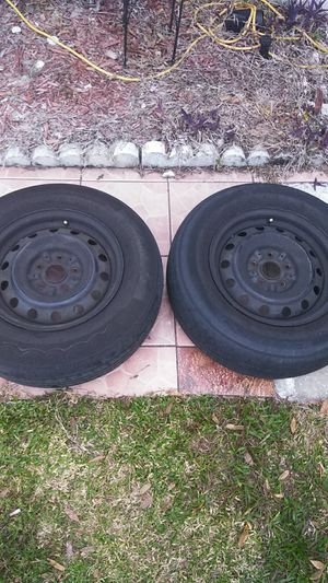 15 inch tires and rims for Sale in Orlando, FL