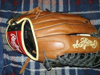 Rawlings Baseball Glove for Sale in Huntington Park,  CA