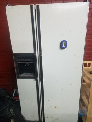 Free refrigerator for Sale in Siler City, NC