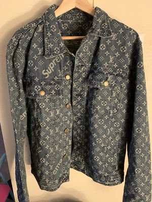 Louis Vuitton x Supreme Denim Jacket Size 52 Authentic with Receipt 2100 for Sale in Seattle, WA