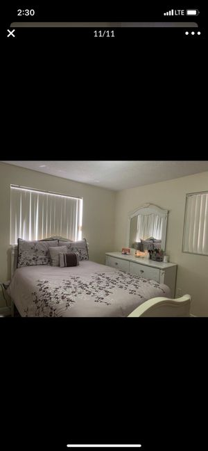 White Room Set for Sale in Miami, FL