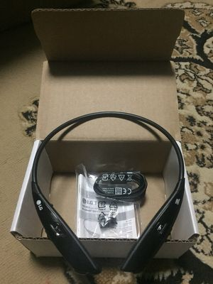 Original lg 810 Bluetooth wireless headset like new for Sale in Pittsburgh, PA