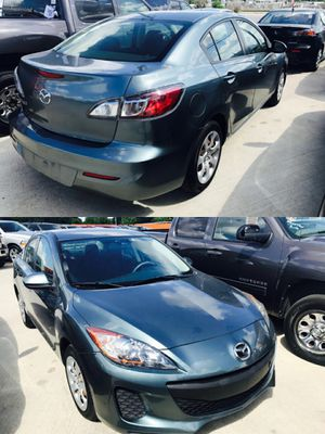 2013 MAZDA MAZDA3 CLEAN TITLE LOW DOWN for Sale in Houston, TX