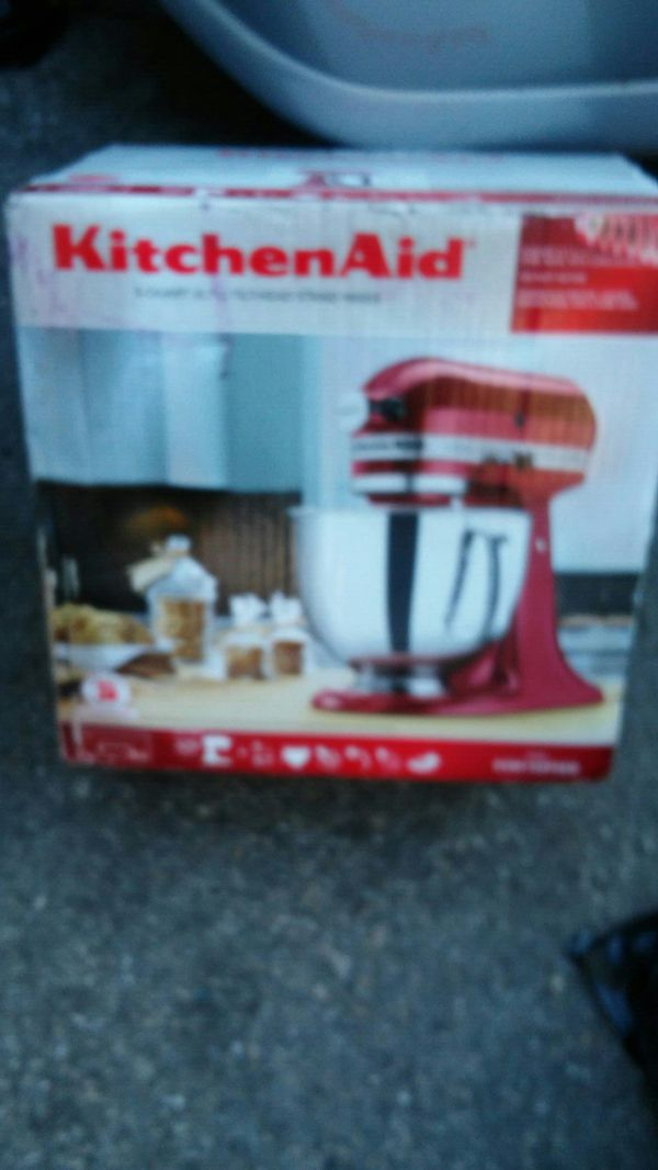 5 quart tilt head /stand mixer for the baker in your family
