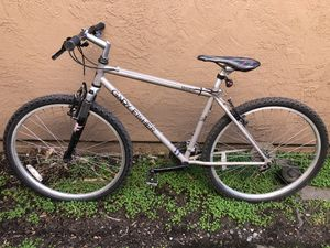 GARY FISHER MOUNTAIN BIKE for Sale in Modesto, CA
