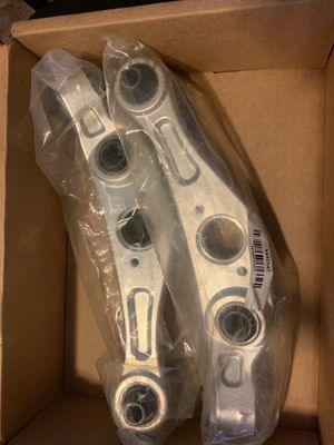 Parts from Detroit axle for infinity g35 coupe for Sale in Philadelphia, PA