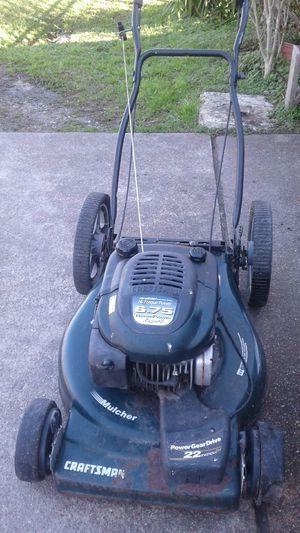Lawn mower de puchar for Sale in Houston, TX