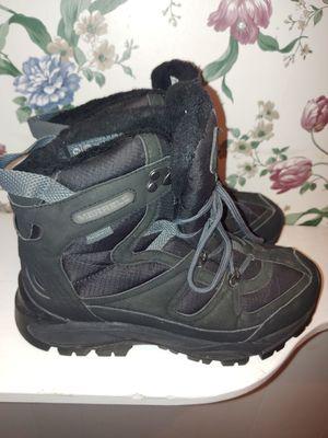 Women's winter boots Merrell for Sale in Livonia, MI