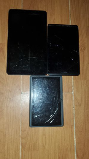 Lot of 3 Tablets for parts only for Sale in DeFuniak Springs, FL