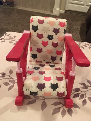 DOLL CHAIR! CLIPS ONTO TABLE - HOLDS up to 15 INCH DOLL! HOLDS OG DOLL OR AMERICAN GIRL DOLL for Sale in Modesto, CA