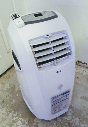 (2019) LG 10,000 BTU A/C Unit & Dehumidifier Combo for Sale in Phoenix, AZ