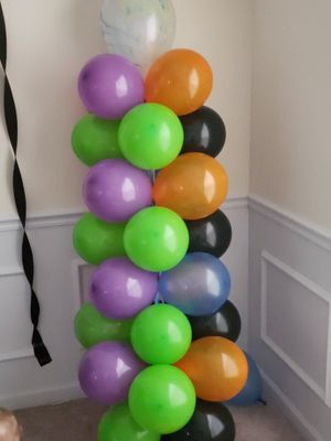 Balloon columns and arch asking 100 obo for Sale in Saint Ann, MO