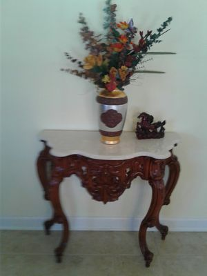 Antique table it's fantastic for Sale in VA, US