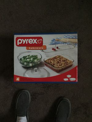 4 piece Pyrex bakeware set brand new. Never used. Asking $25 and negotiable for Sale in Columbus, OH
