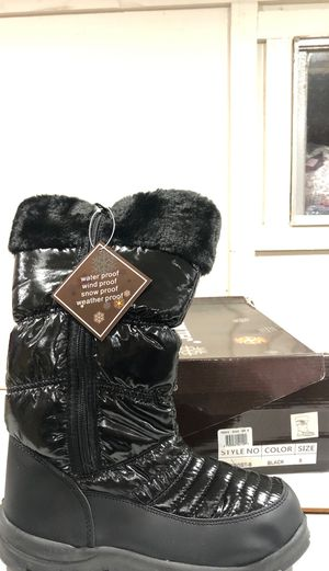 Women's snow boots for Sale in Sugar Land, TX