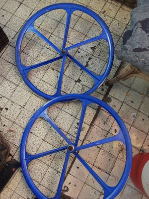 700 Teny mag wheels set for fixies for Sale in Los Angeles, CA