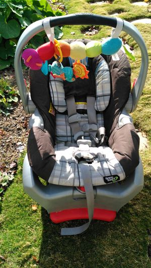 Graco Car Seat & Base for Sale in Magna, UT