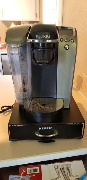 Keurig coffee maker w/ holder for Sale in Camano Island, WA