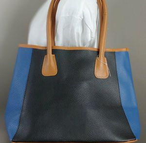 NEIMAN MARCUS tote bag for Sale in Highwood, IL