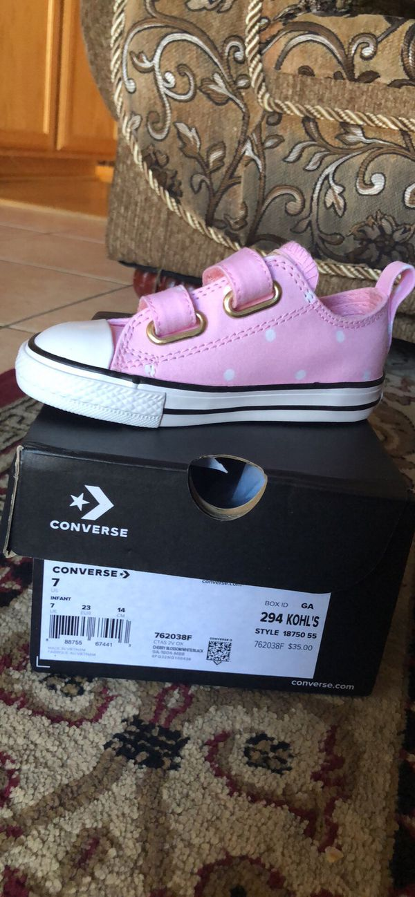 4e515aaa0df2 BRAND NEW TODDLER CONVERSE SHOES SIZE 8