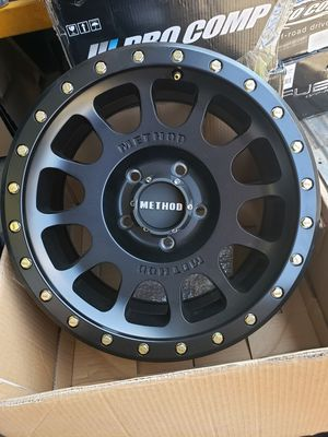 Method Race Wheels NV, 17x8.5 with 5 on 5.5 Bolt Pattern **one rim only** for Sale in Corona, CA