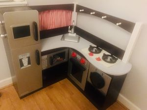 KidKraft Corner Kitchen for Sale in Ashburn, VA