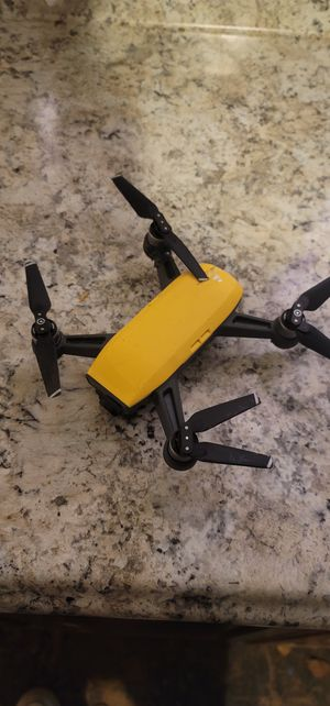 Dji Spark w/remote controller for Sale in Akron, OH