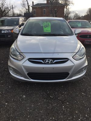 2013 Hyundai Accent gls low miles for Sale in Columbus, OH
