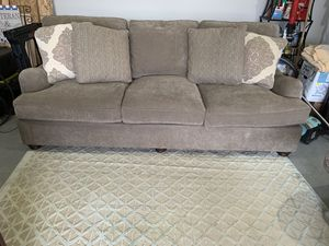 King Hickory Sofa for Sale in Cartersville, GA