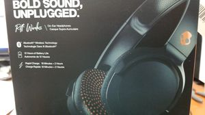 Riff wireless Headphones by Skullcandy New for Sale in Miami, FL