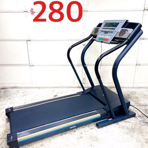 Treadmill w/ Automatic Incline. Excellent Working Condition. for Sale in Irvine, CA