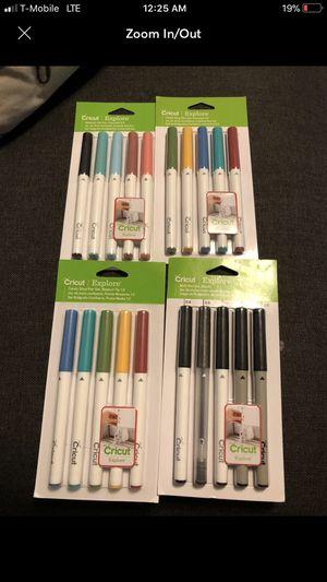 Cricut Pen Set bundle for Sale in Houston, TX