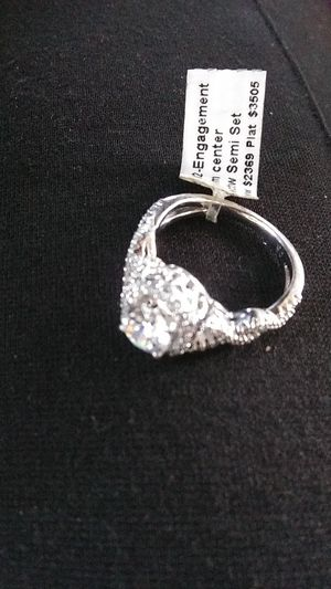 Engagement round diamond ring gorgeous and beautiful for Sale in Seattle, WA