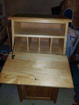 Small Secretary desk for Sale in Edison, NJ