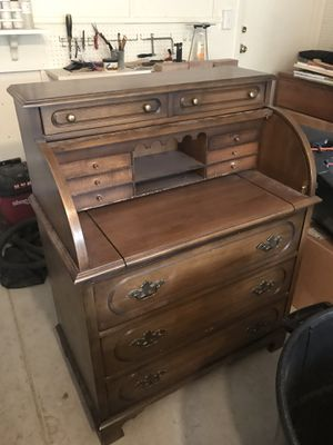 Vintage roll top desk for Sale in Tucson, AZ