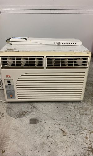 Daewoo Window A/C Unit with window mount for Sale in Irvine, CA