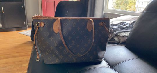 Louis Vuitton for Sale in Lawrence,  MA