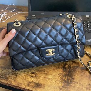 Classi Chanel Caviar Bag for Sale in Minneapolis, MN