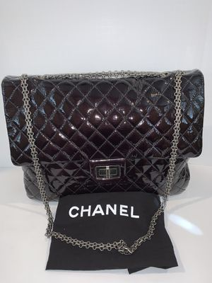 AUTHENTIC Chanel Maxi 2.55 Reissue Amarante Patent Flap Bag for Sale in San Diego, CA