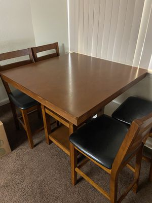 Kitchen Table with 4 Chairs for Sale in Fresno, CA