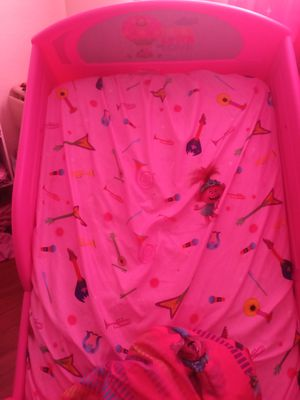 Trolls toddler bed and mattress for Sale in NEW PRT RCHY, FL