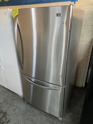 🔥🔥LG Bottom Freezer Refrigerator!!!!🔥 for Sale in Chino, CA