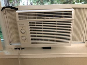 Homelabs window air conditioner-5000 BTU for Sale in Santa Clara, CA