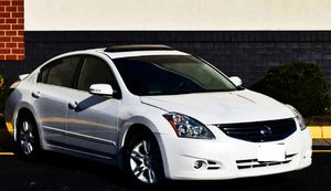 Asking $1000 2010 Nissan Altima for Sale in Columbus, OH