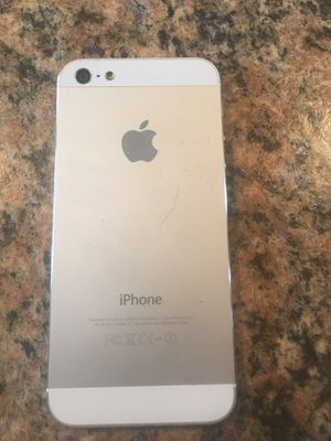 iPhone 5 unlocked Tmobile home button broken for Sale in Howell Township, NJ