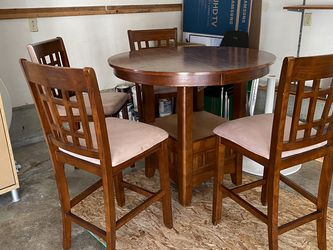 """Dining Room Set, Extendable Table, 40 X 30 """" for Sale in Union,  WA"""