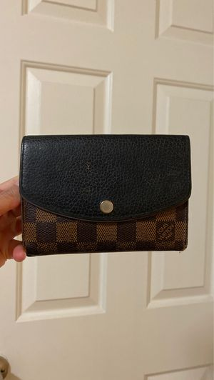 LV wallet for Sale in Las Vegas, NV