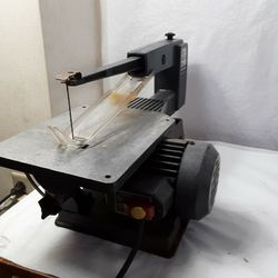 Saw Scroll Craftsman 16 Inch Good Co Dition Working Properly for Sale in Newburgh Heights,  OH