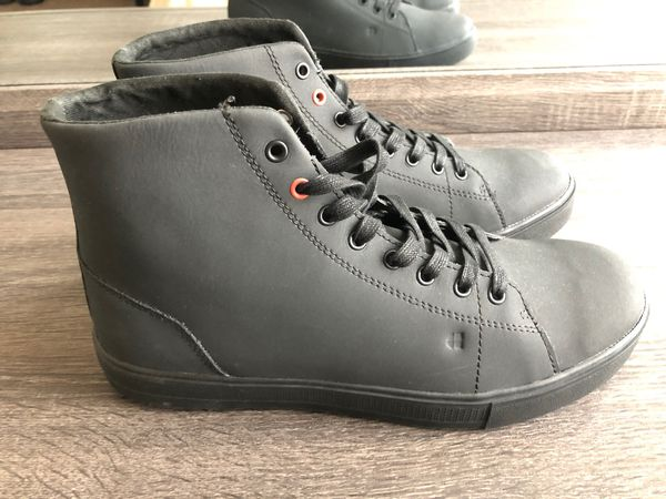 Work boots for men/Shoes for Crews size 9.5