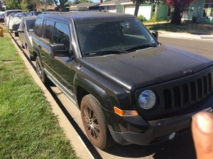 2011 Jeep Patriot 4 cylinders. Manual transmission great condition. No problems for Sale in Redwood City, CA